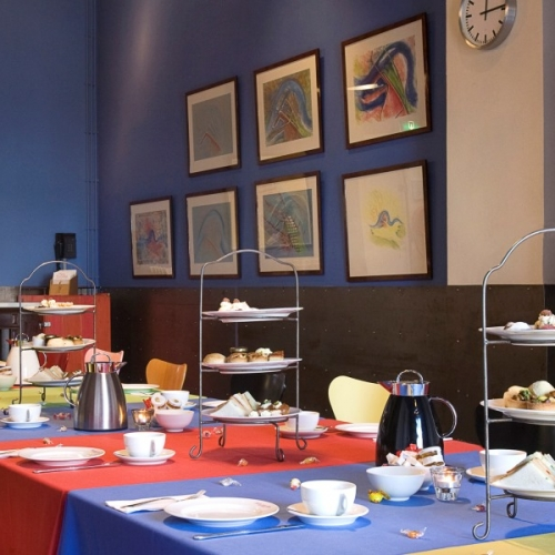 Bijeenkomst in Blauwe Zaal van Hotel New York